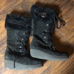 Women's 2 inch wedge boot fur-lined size 10